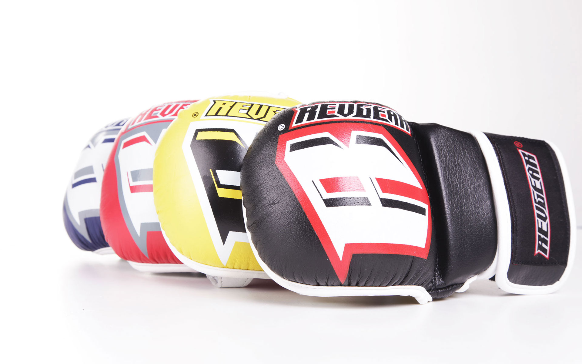 MMA SPARRING GLOVES: YOU CAN EVEN HAVE BLACK