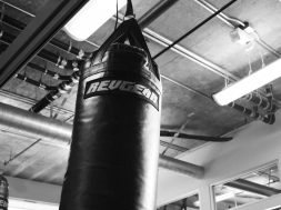 How-to-hang-a-heavy-bag-correctly