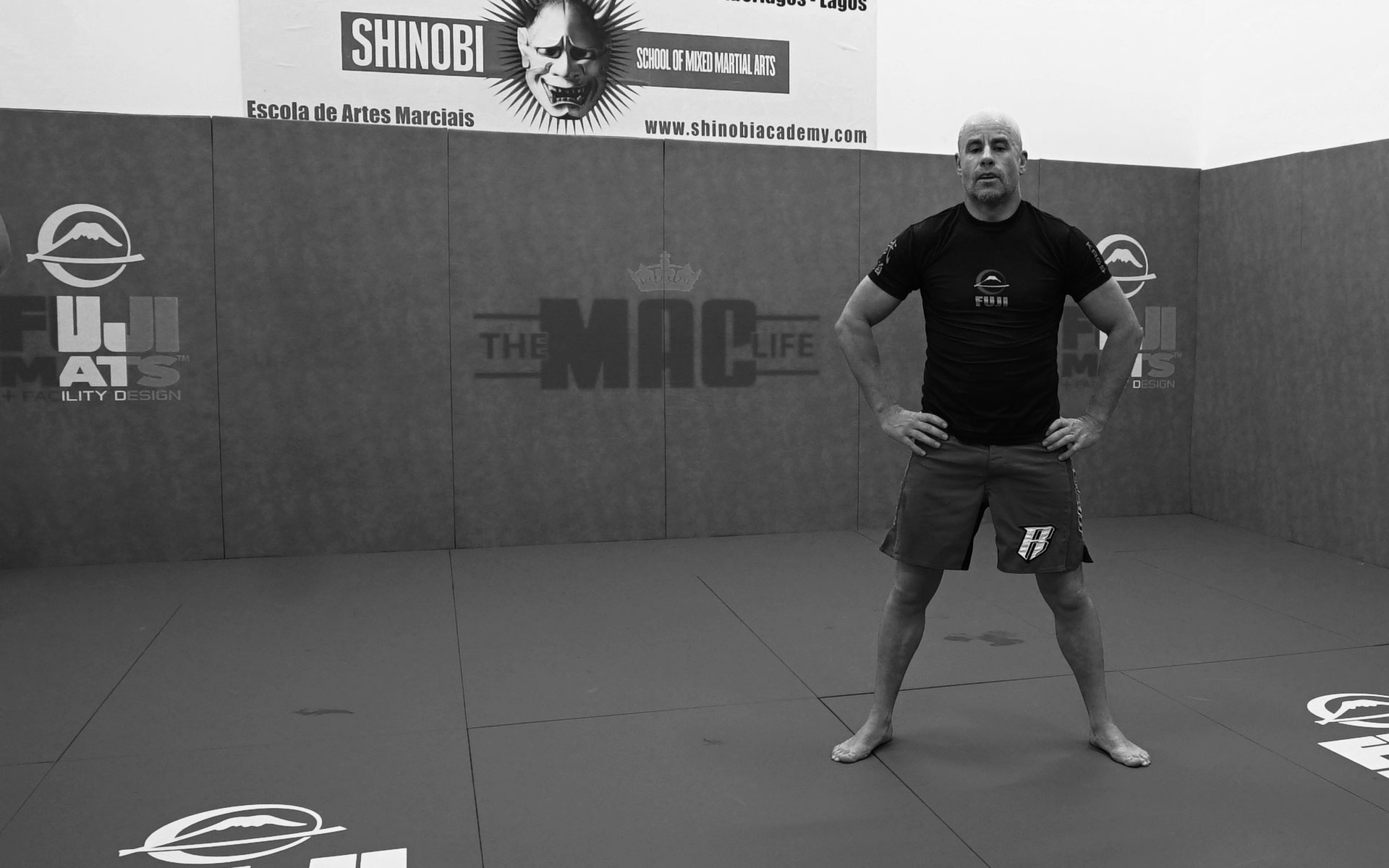 MMA TECH – COUNTERING THE JAB